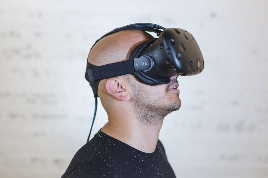 Man wearing a VR headsdet