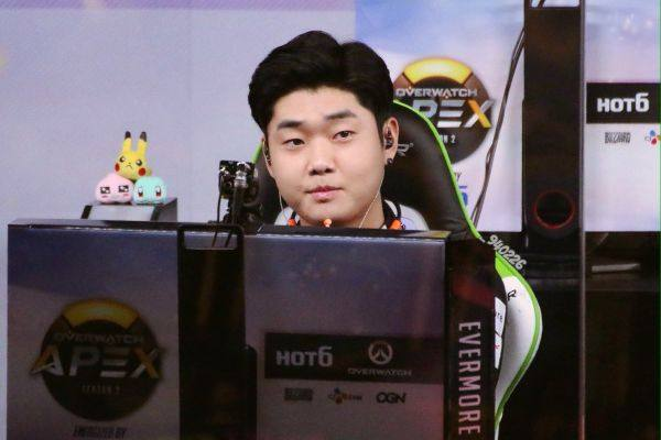 Is evermore the best overwatch player? He's up there with the top ten players that's for sure.