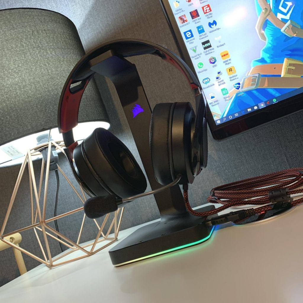 This image shows the Radon 610 Gaming Headset on a Headphone Stand.