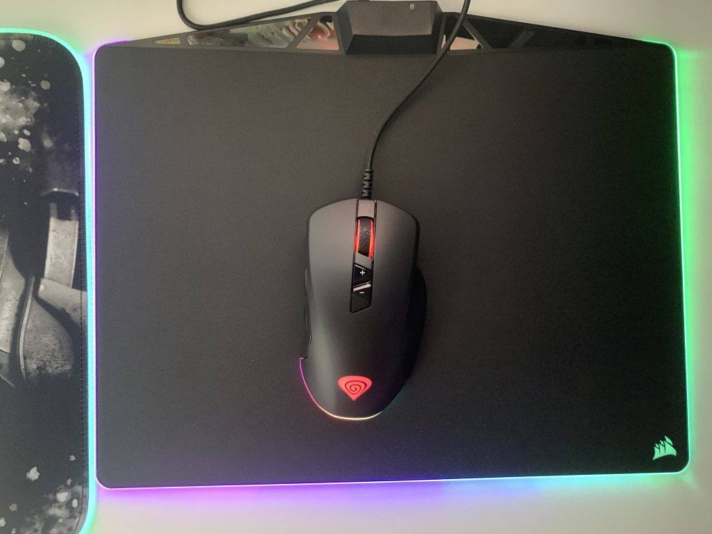 The Genesis XENON 770 Looks at home on the Corsair Mouse Pad