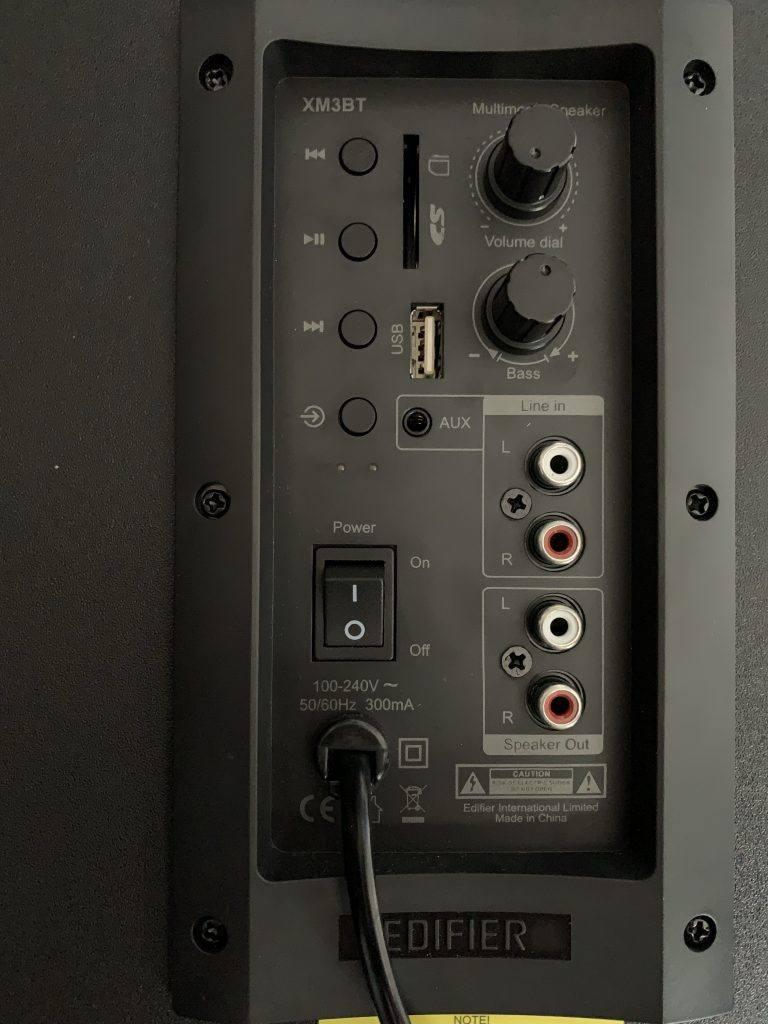 Edifier XM3BT Ports