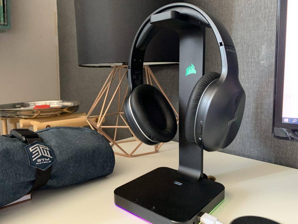 The Edifier W800BT look great on an RBG headphone stand.