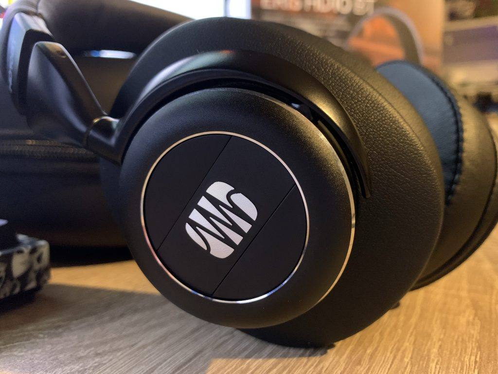 PreSonus HD10BT Review: The earcups are really stylish.