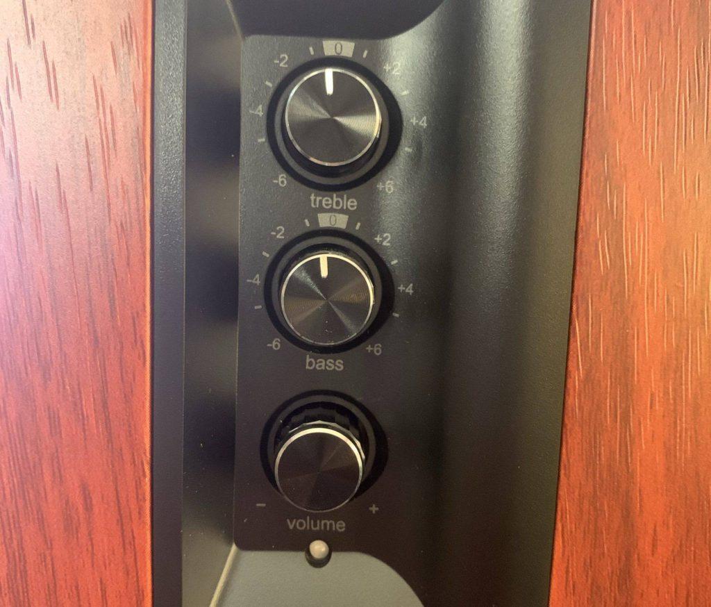 Individual bass, treble and volume controls.