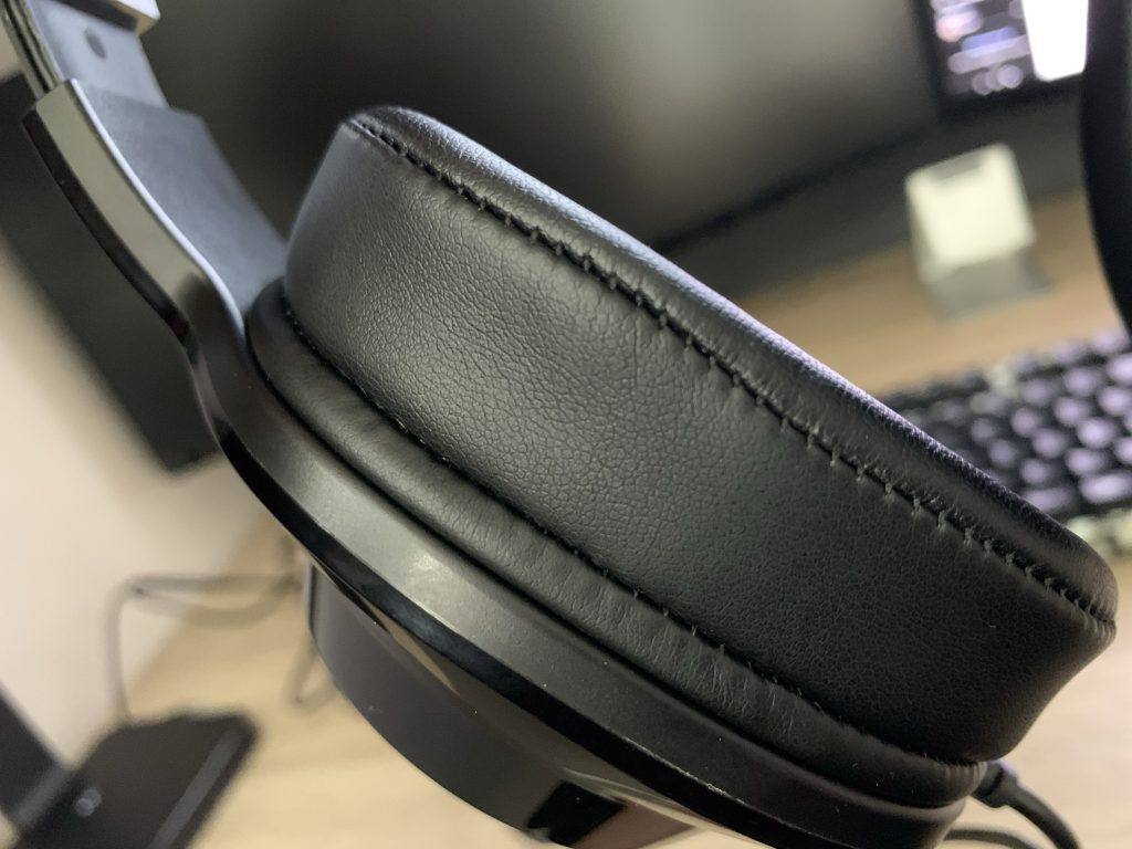 I couldn't find any fault at all with the build quality